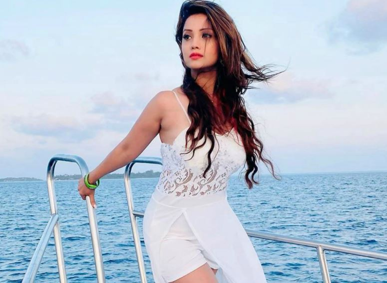 This image has an empty alt attribute; its file name is adaa-khan.jpg
