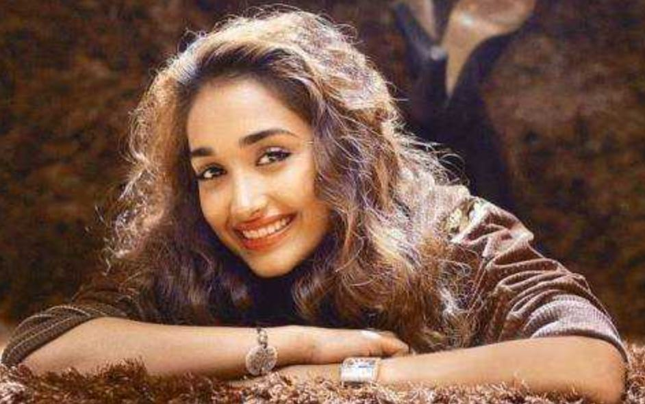 This image has an empty alt attribute; its file name is jiah-khan-2.jpg