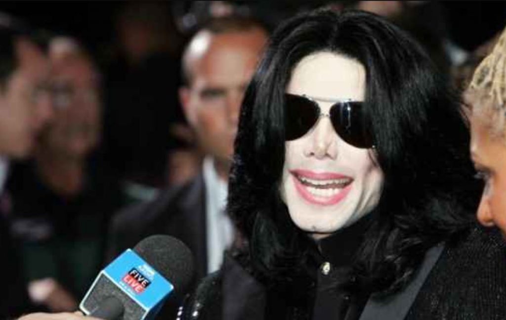 This image has an empty alt attribute; its file name is michael-jackson-1024x647.jpg